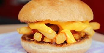 【西門町美食】in89豪華數位影城|獨創的電影美食,腸抱、起司薯條堡