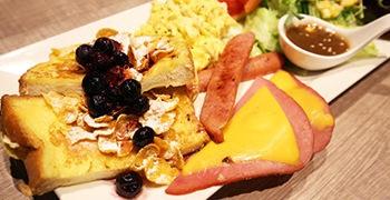 【新莊美食】豐滿咖啡早午餐|特大份量澎湃早午餐!(店長是貝哥拜把兄弟)