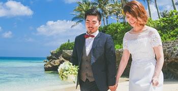 沖繩自助婚紗實錄|椰子樹、教堂、漸層海,夢幻海島婚紗照