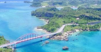 【沖繩旅遊】開車就能到,輕鬆征服4座美麗東海岸離島