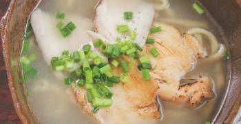 【沖繩美食】雞麵屋石工夫|港川外人住宅裡的沖繩麵王