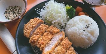 【淡水美食】魔法咖哩(新北淡水店)|難得好吃的河海景觀餐廳